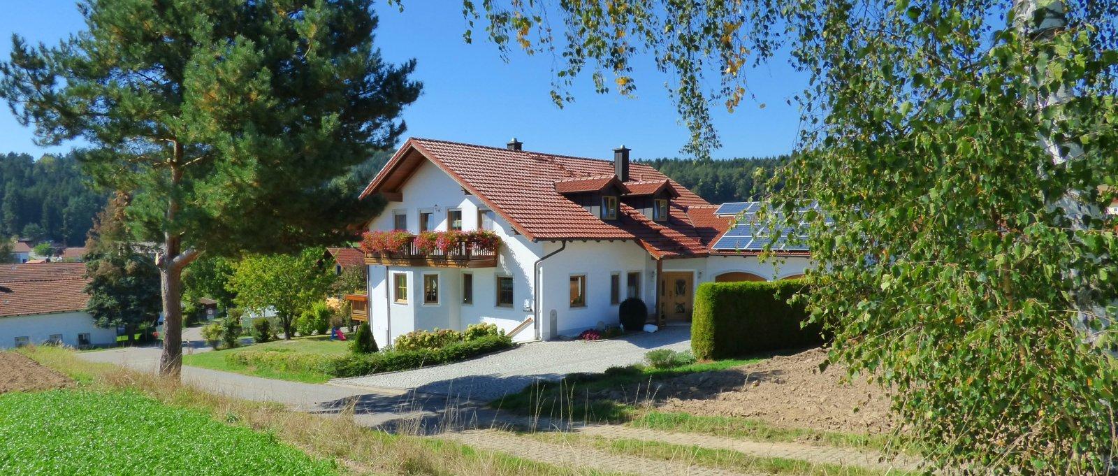 breitbilder-ammerhof-ferienhaus-zandt-oberpfalz-ansicht-1600